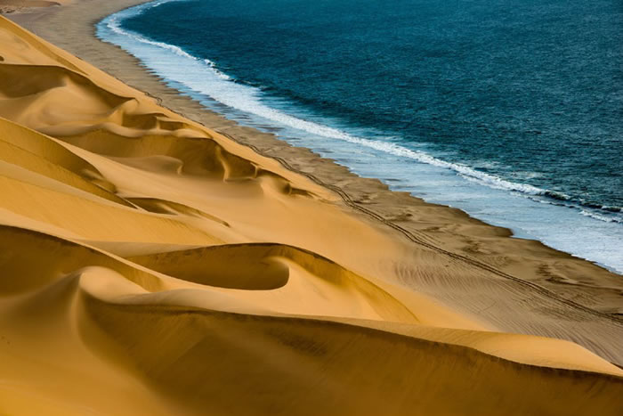 Reise-Namibia-2021-Barbara-Bessen-duene-meer