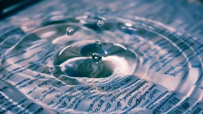 wasser-tropfen-papier-water