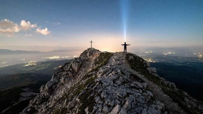 mann-berg-wesentlich-mountains