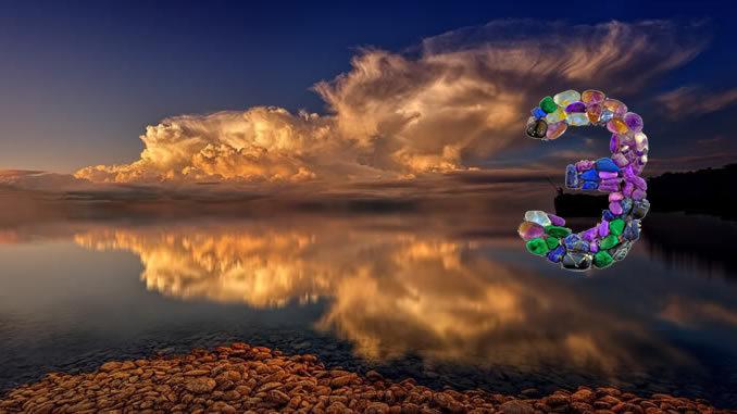 zahl-3-Spiegelung-see-wolken-sea