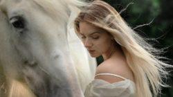 pferd-frau-tierkommunikation-portrait