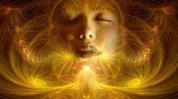 Jenseits  spiritualitaet frau gesicht gold fantasy