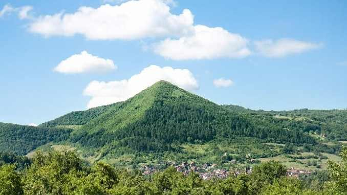 Pyramidenbesuch Bosnien Barbara Bessen
