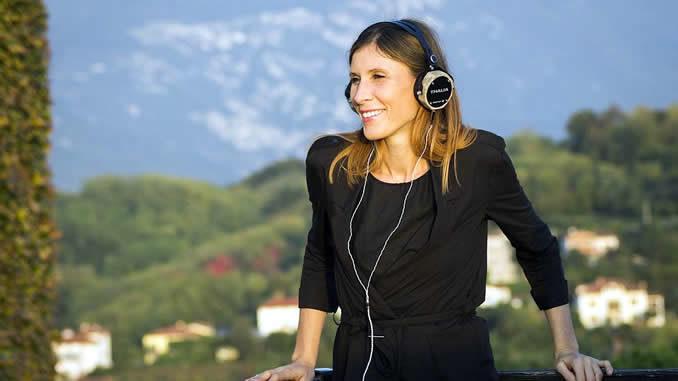 neowake-subliminals-headphones