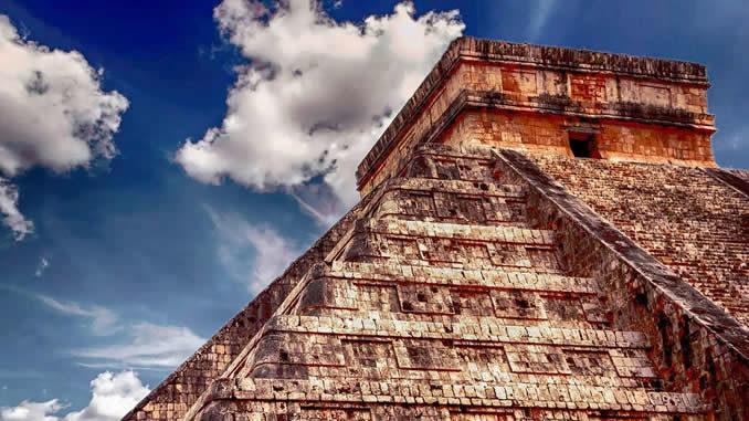 maya-pyramide-mexico