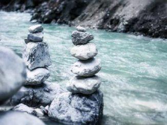 fluss steine river