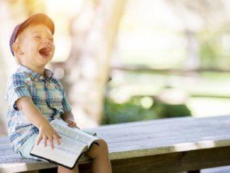 lachen Junge boy